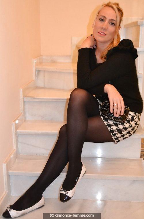 Annonce d'une femme blonde de 28 ans en manque de tendresse