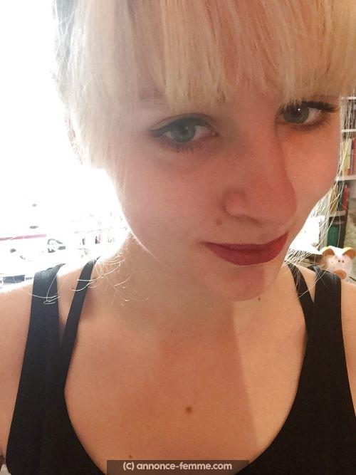 Fiona coiffeuse célibataire un brin coquine