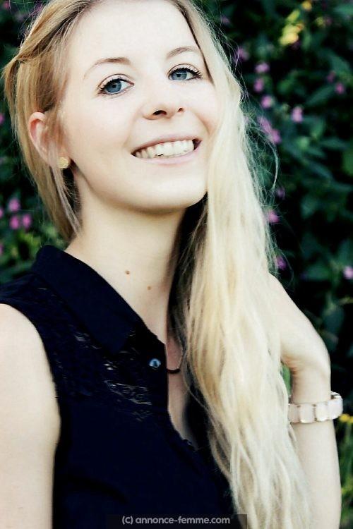 Célia 18 ans a Amiens, cherche mec avec voiture