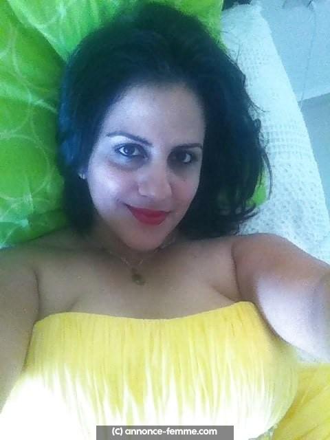 Annonce d'Indira a Aix femme syrienne célibataire