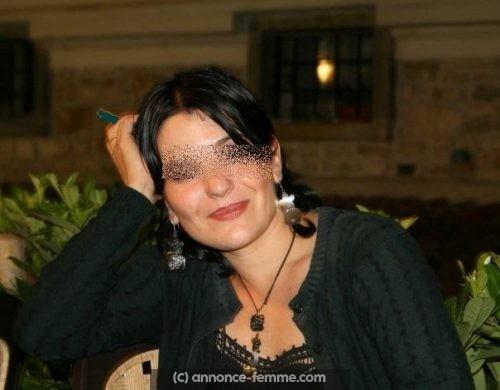 Patricia femme brune d'Alès célibataire cherche homme